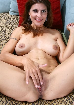 Bald Mature Pussy Pictures