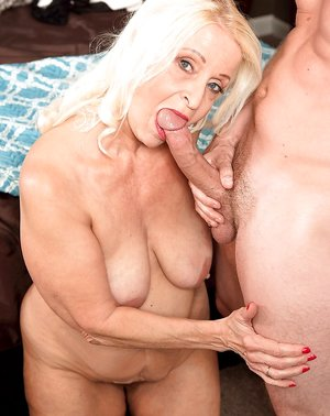 Mature Saggy Tits Pictures