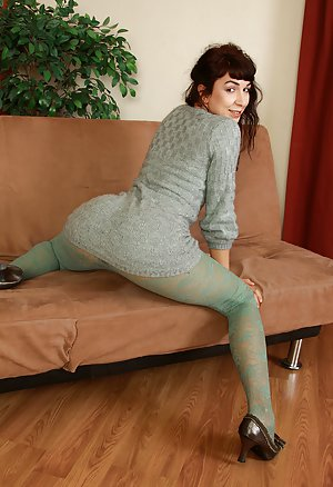 Mature Pantyhose Pictures
