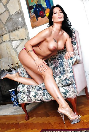 Sexy Mature Heels Pictures