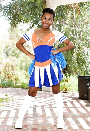 Mature Cheerleader Pictures