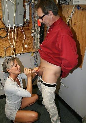 Mature Tug Job Pictures