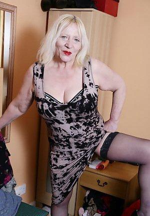 Granny Mature Pictures