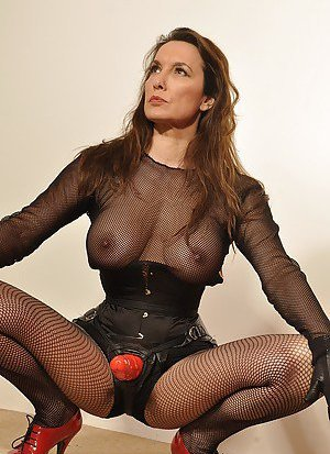 Mature Mistress Pictures