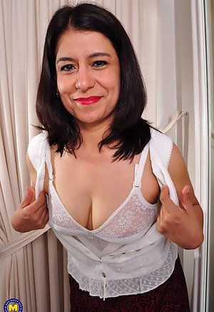 Mexican Mature Pictures