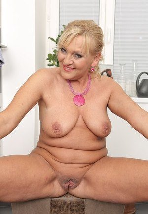 Blonde Mature Pictures